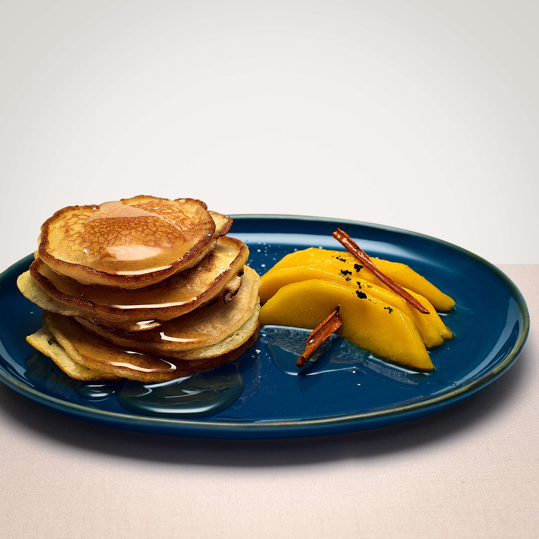Honig-Pancakes mit Mango