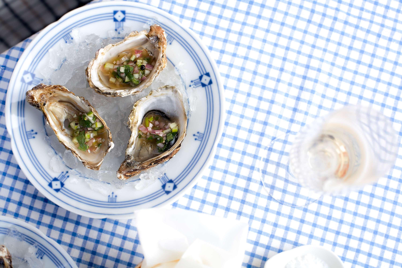 Austern mit grüner Apfel-Schalotten-Vinaigrette