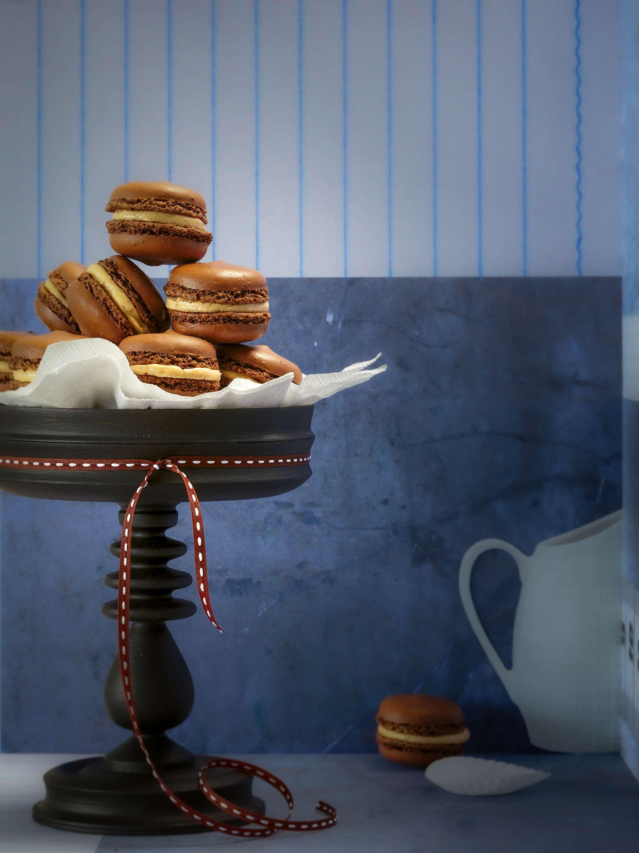 Schokoladen-Macarons mit Kaffee