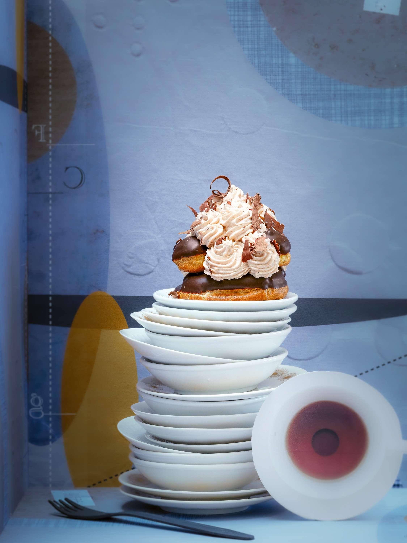 Nano-Profiterole-Torte