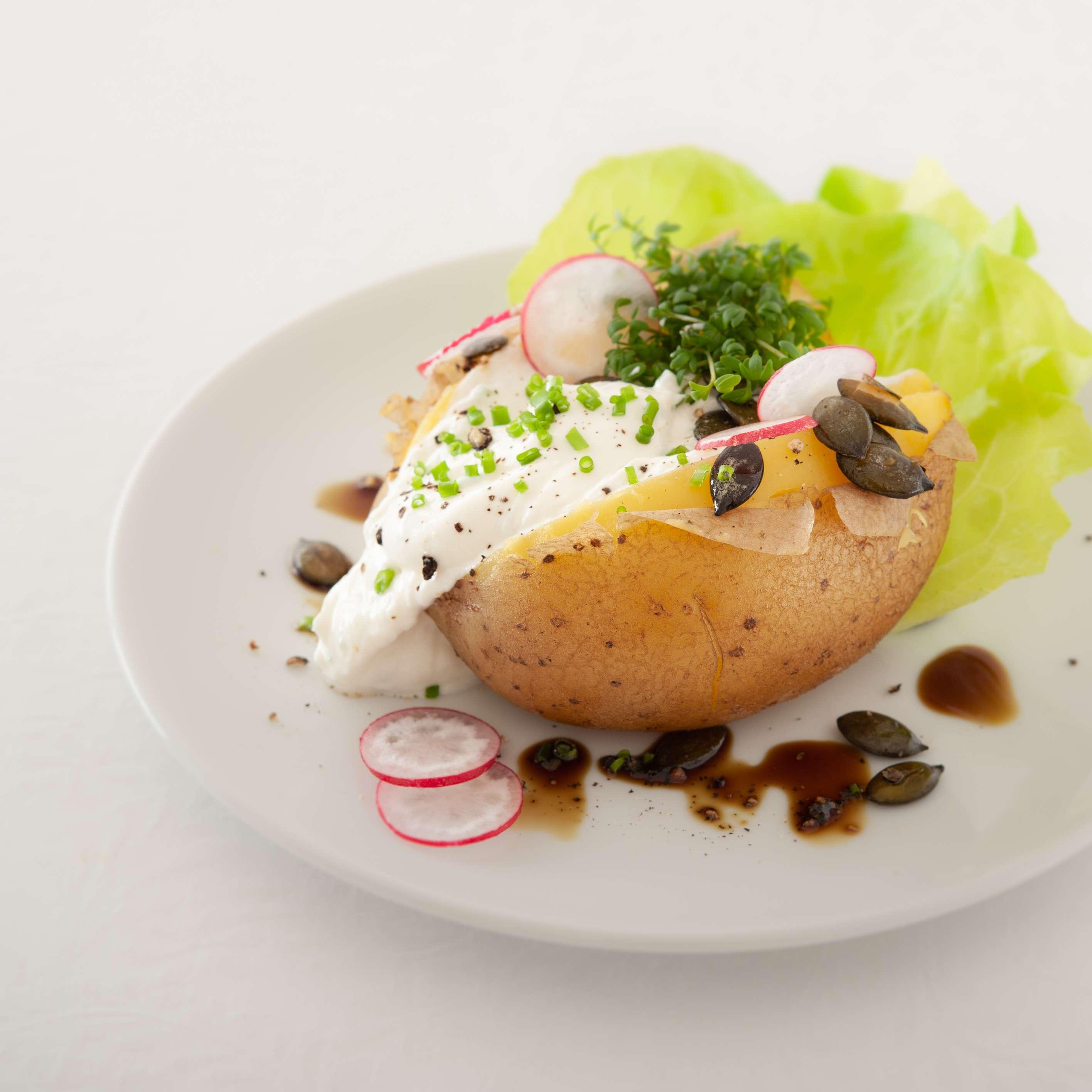 Kartoffel mit Meerrettich-Schnittlauchquark und Kernöl