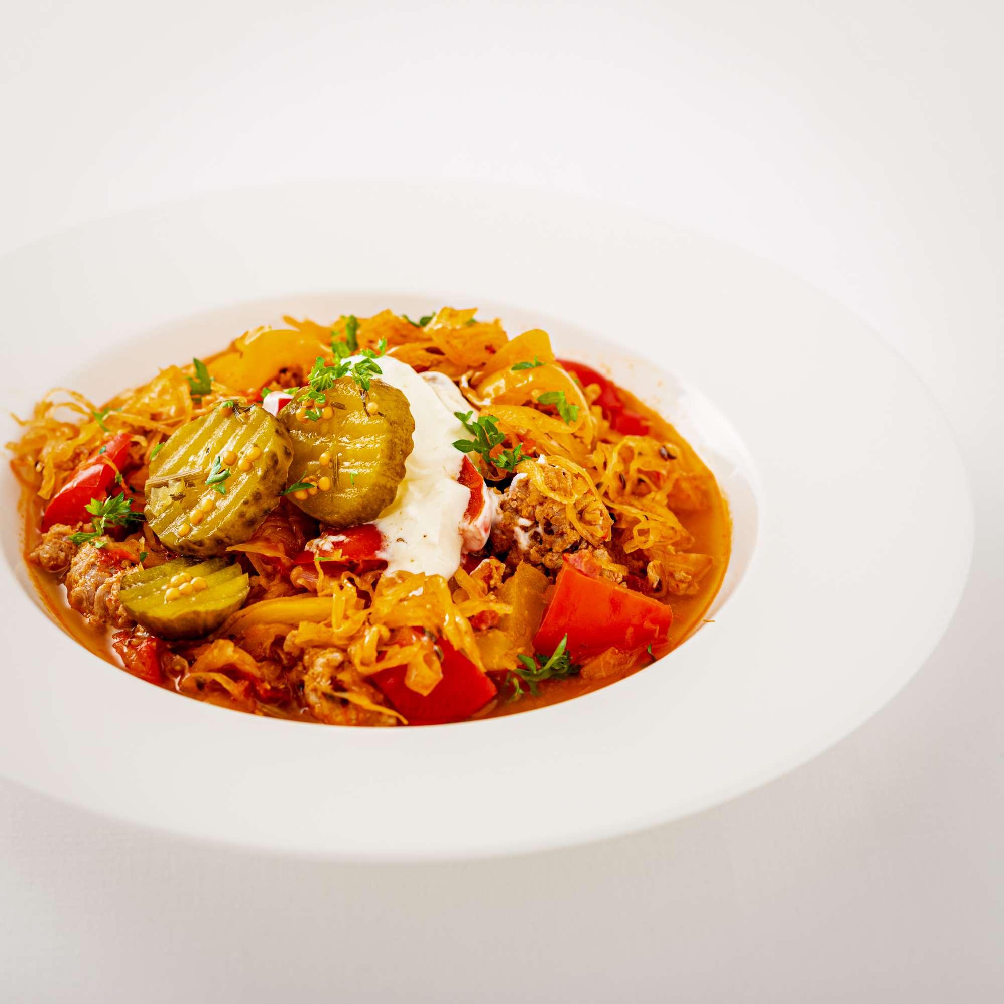 PaprikaTopf mit Sauerkraut und Salsiccia