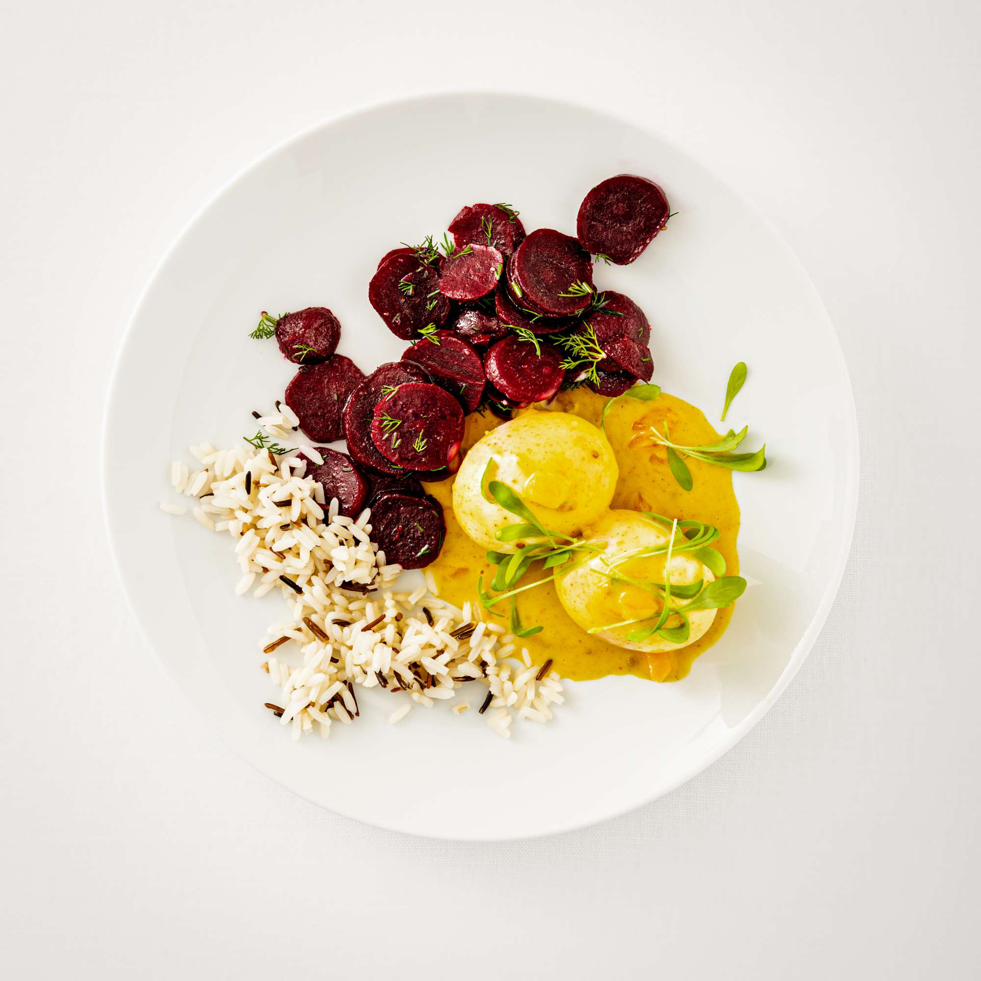 Curry-Senf-Eier mit Rote-Bete-Salat