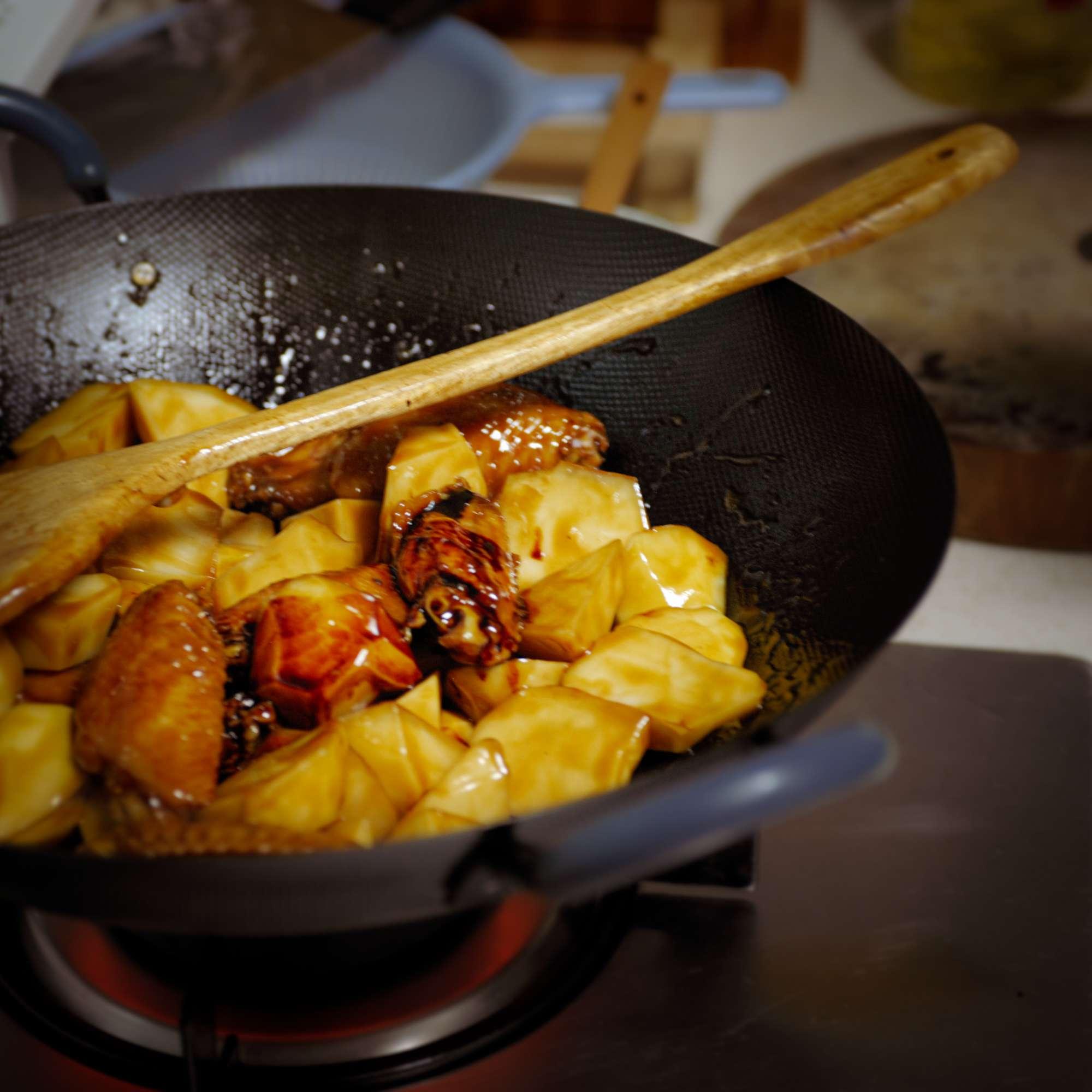 Jichiduntudou– Hühnchen mit Kartoffeln