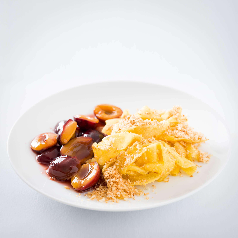 Schneller Teller: Süße Nudeln mit Pflaumenkompott
