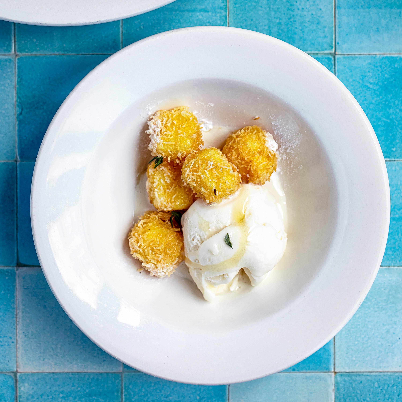 Puddingcreme im Kadajif-Mantel (muhallebili kadayıf kızartması)