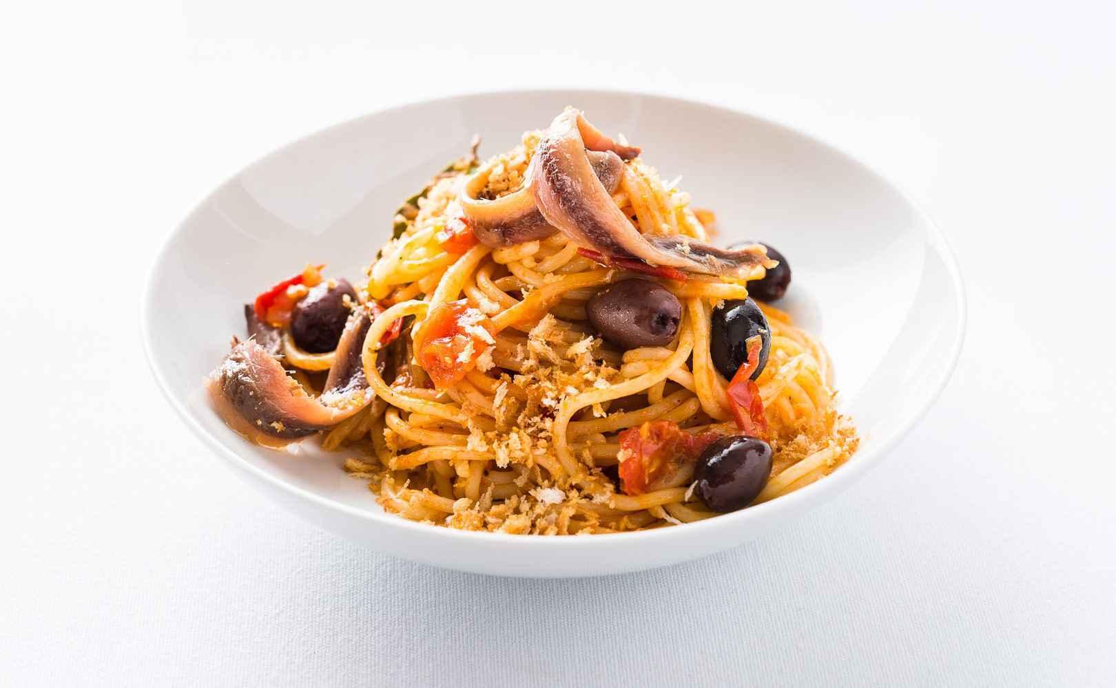 »Pasta c'anciova« mit Sardellen und Knusperbröseln
