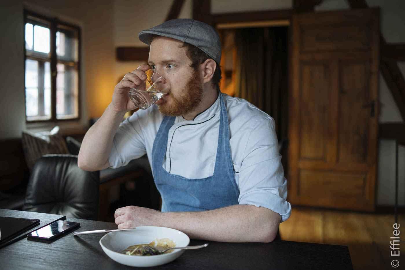 Felix Schneider wollte schon in der zehnten Klasse die Schule abbrechen und Koch werden