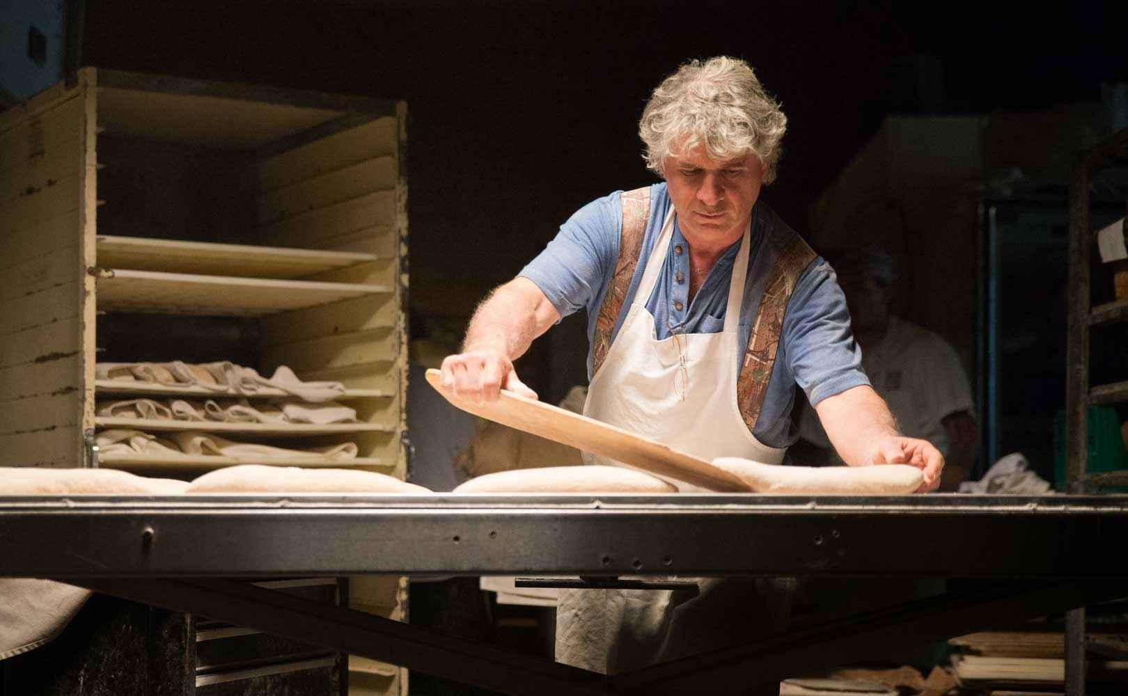Richard Bourdon, der Bäcker in dem Film setzt alle paar Jahre einen neuen Sauerteig an