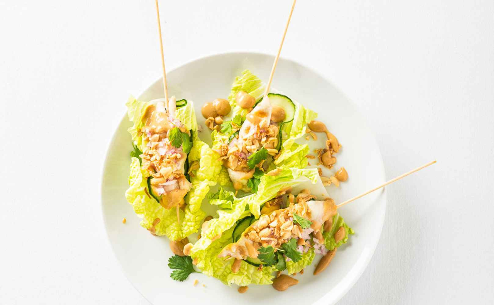 Hähnchenspieße mit Erdnussbutter-Chilisauce