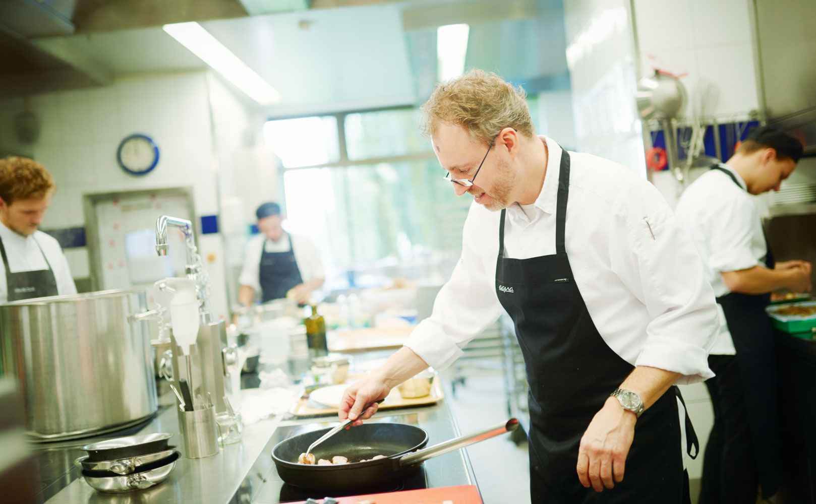 Sven Elverfeld in der Küche