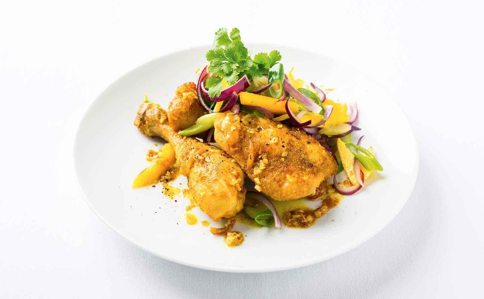 Rezept für Curry Chicken mit Mango-Zwiebel-Salat