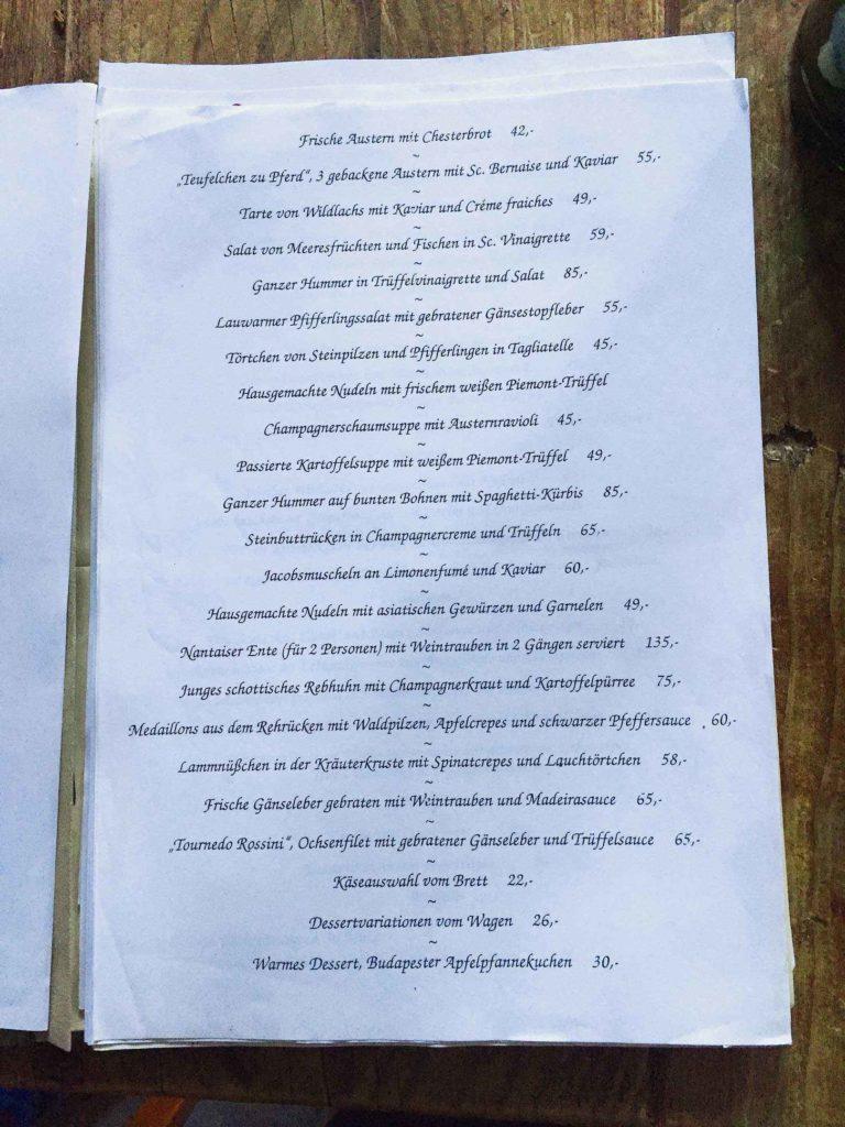 Eine original Speisekarte aus dem Goldenen Pflug zu Herbert Schönberners Zeiten. Die Preise verstehen sich in DM!