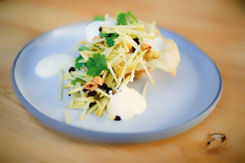 Rezept für Golden-Delicious-Salat im Strudelteig