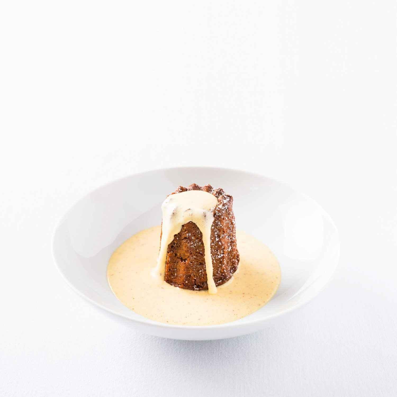 Go to Rezept für Rote-Bete-Schoko-Muffin mit »gewürzter« Vanilleeis-Sauce