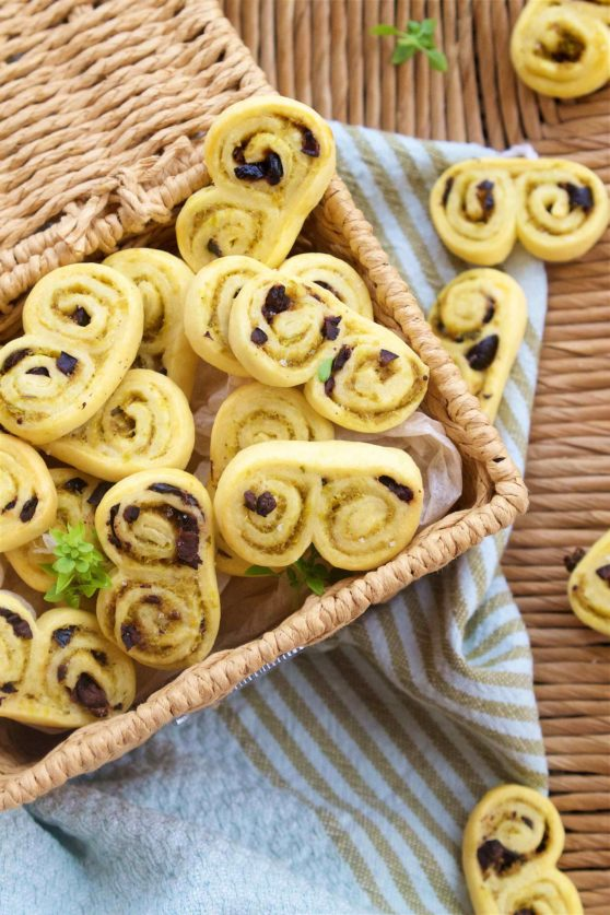 Palmiers mit Oliventapenade