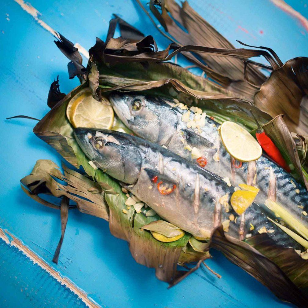 Makrele im Bananenblatt
