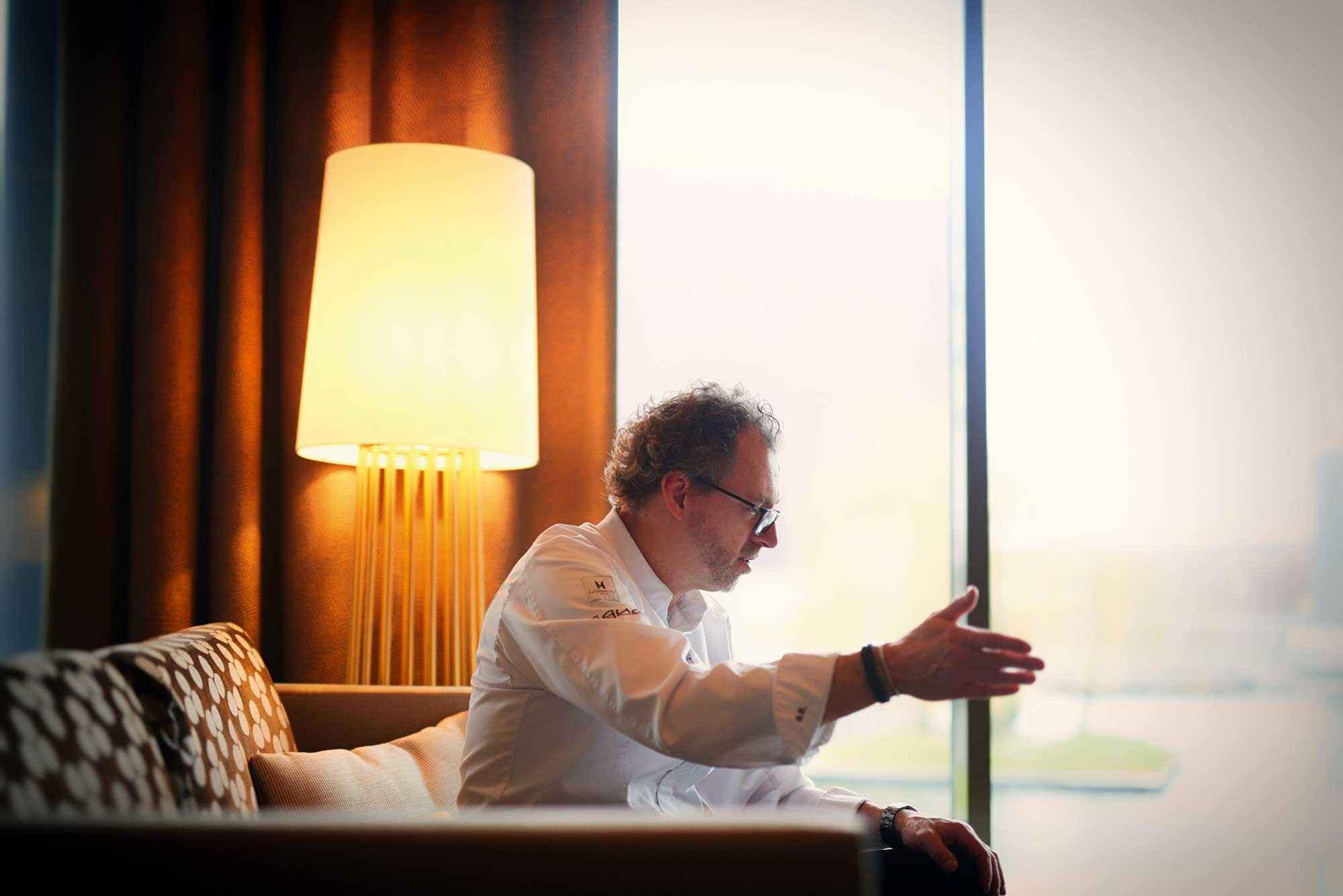 Bevor er etwas Neues anfängt, sagt Sven Elverfeld, setzt er sich stets hin und überlegt