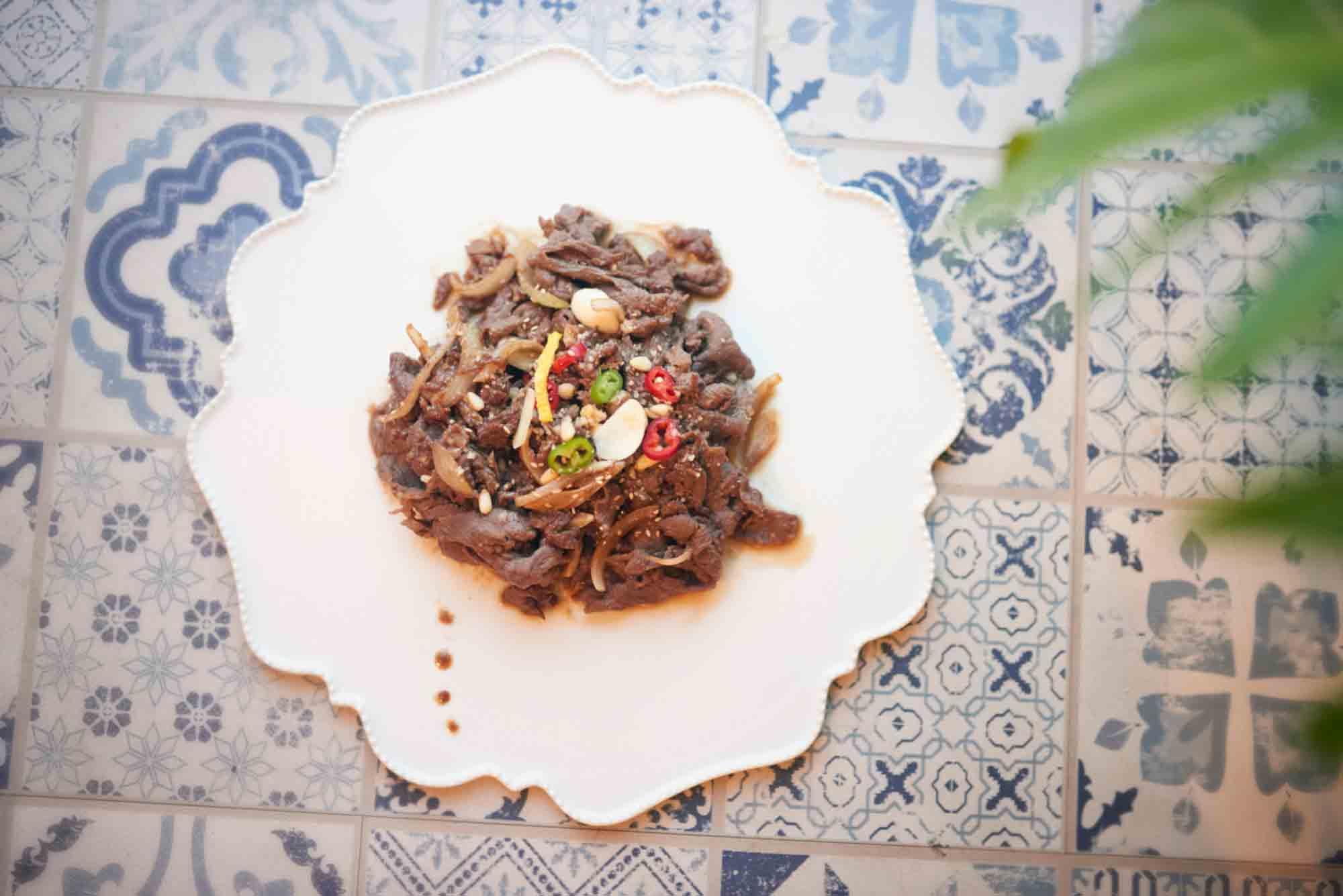 Bulgogi, mariniertes, scharf gebratenes  Rindfleisch