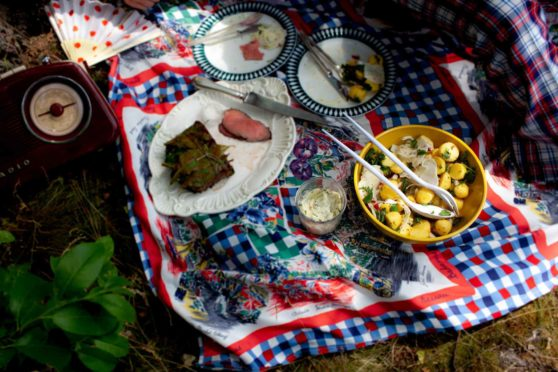 Kartoffelsalat mit Fenchel, Radieschen und Brunnenkresse