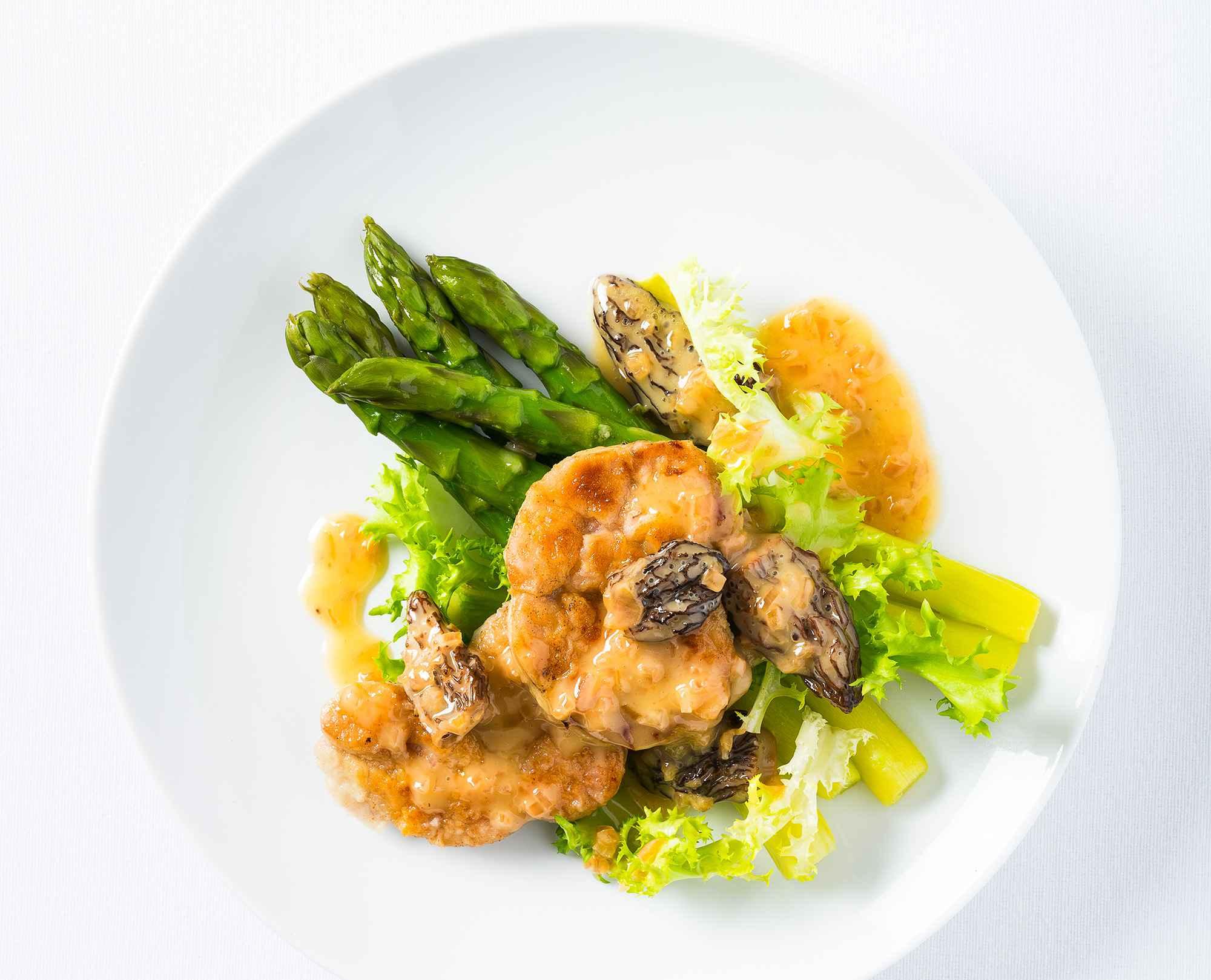Gebratene Kalbsbries-Schnitzel mit Morchel-Beurre-Blanc