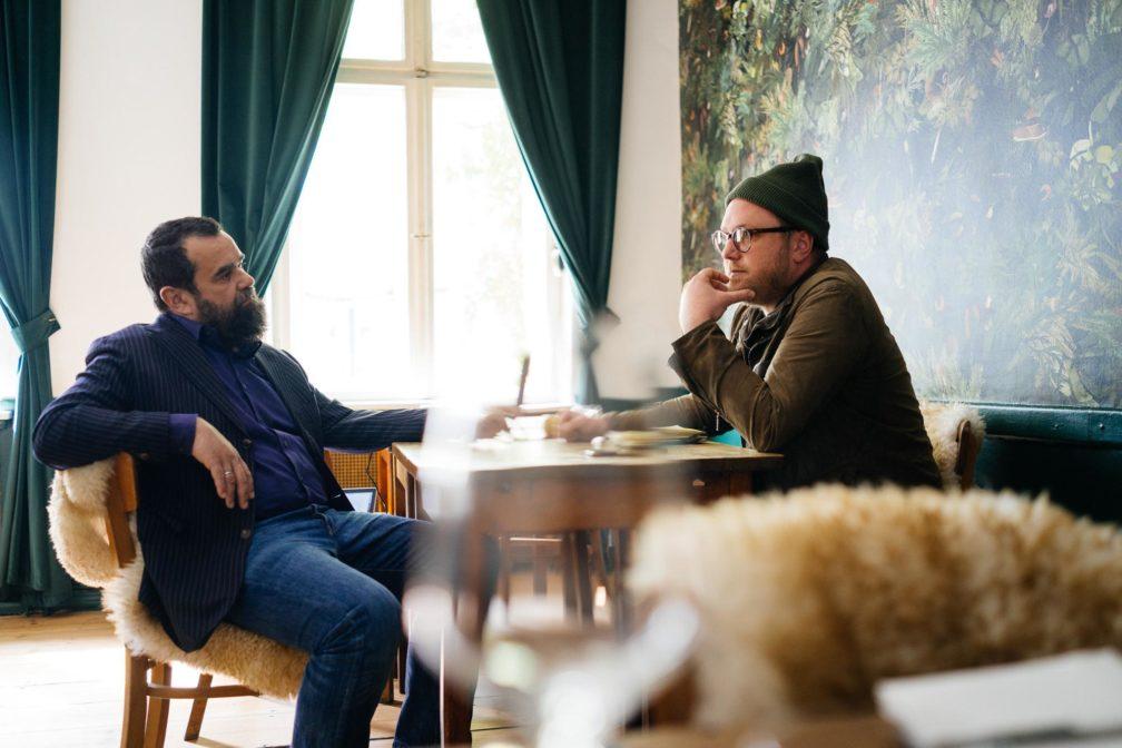 Bart trifft Mütze: Zwei Chefs im Gespräch