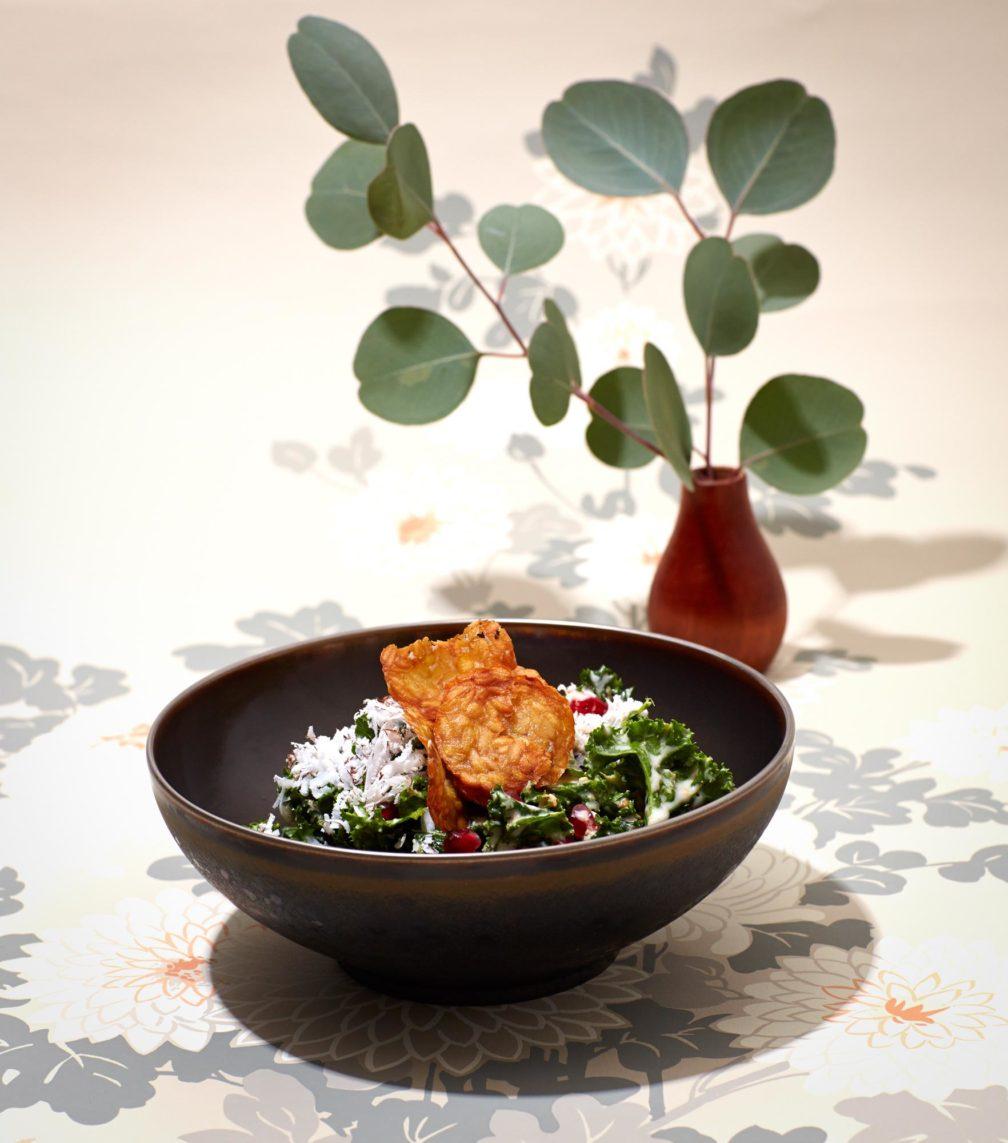 Grünkohl-Buddha-Bowl mit Tempeh-Chips