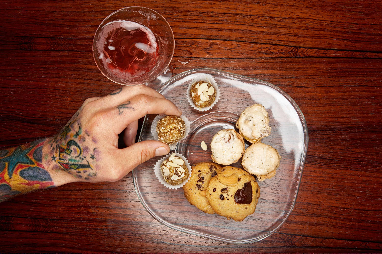 Aprikosen-Ingwer-Konfekt, Dattel-Pistazien-Makronen, Schoko-Espresso-Cookies