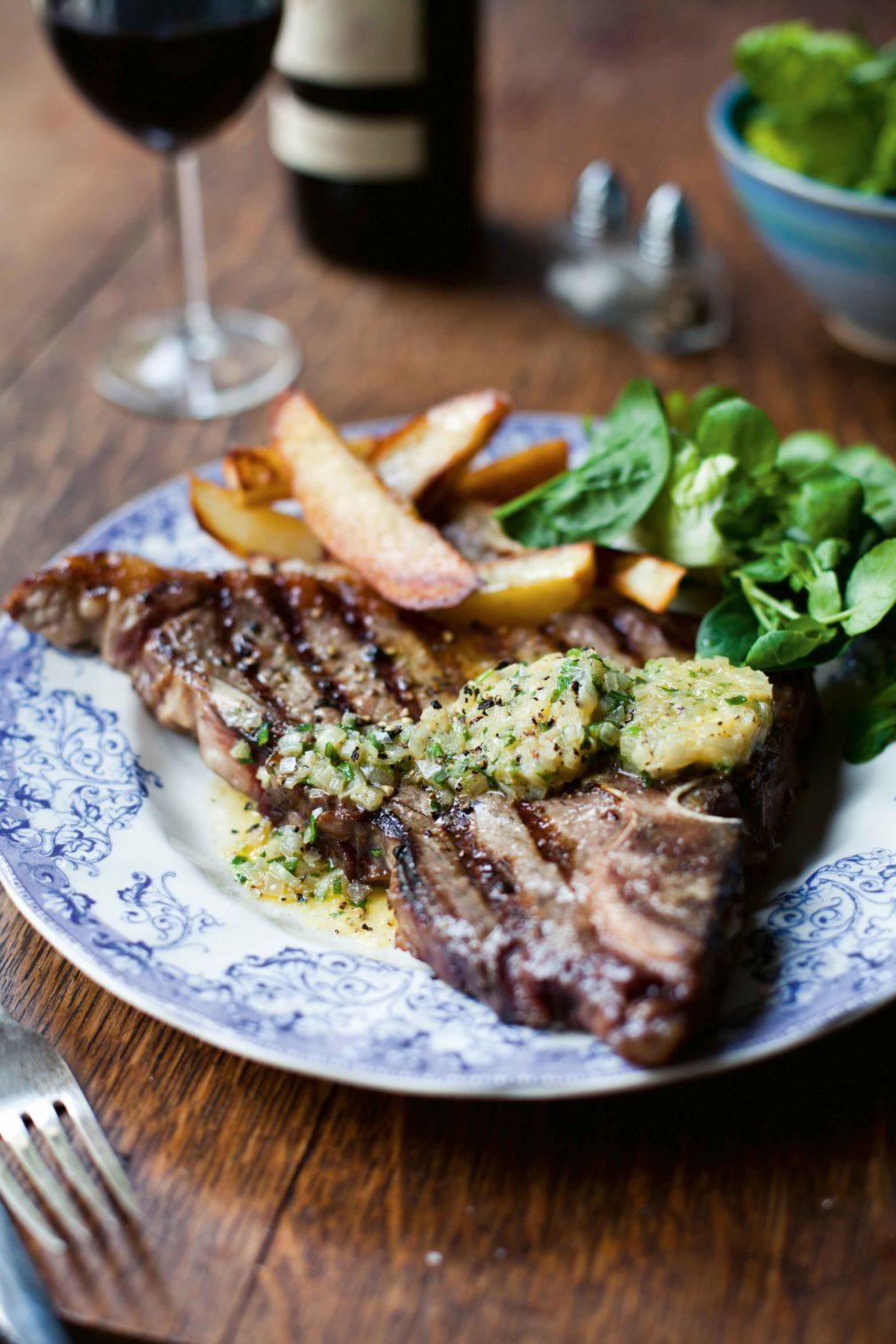T-Bone-Steak mit Schalotten-Estragon-Butter