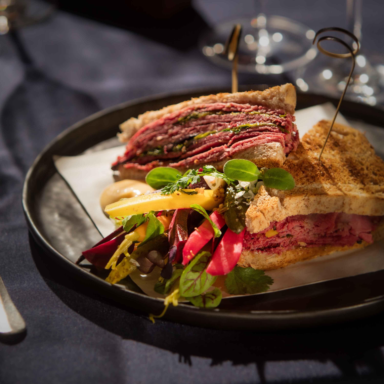 Pastrami Club Sandwich vom Bayerischen Rindfleisch