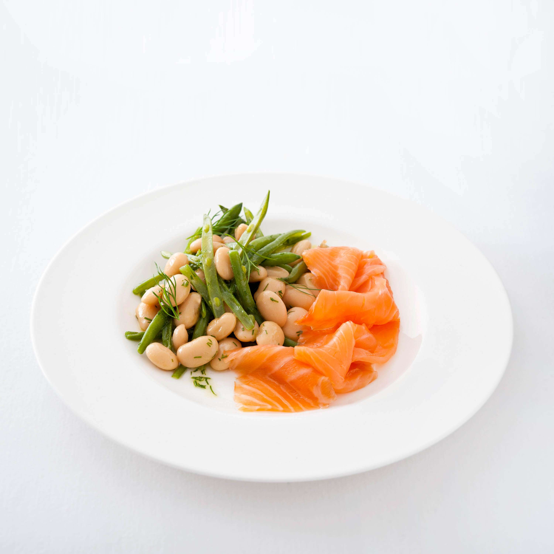 Zweierlei Bohnensalat mit Räucherlachs