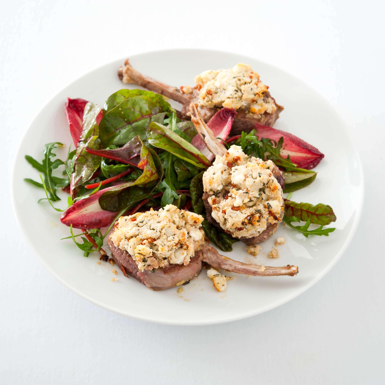 Neuseeland-Lammkoteletts mit Ziegenkäse-Kräuterkruste