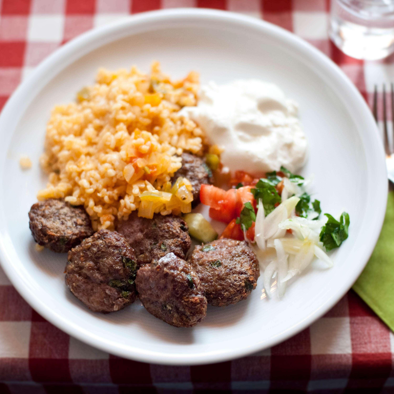 Elcin Schütze, 35, Türkei, kocht Köfte
