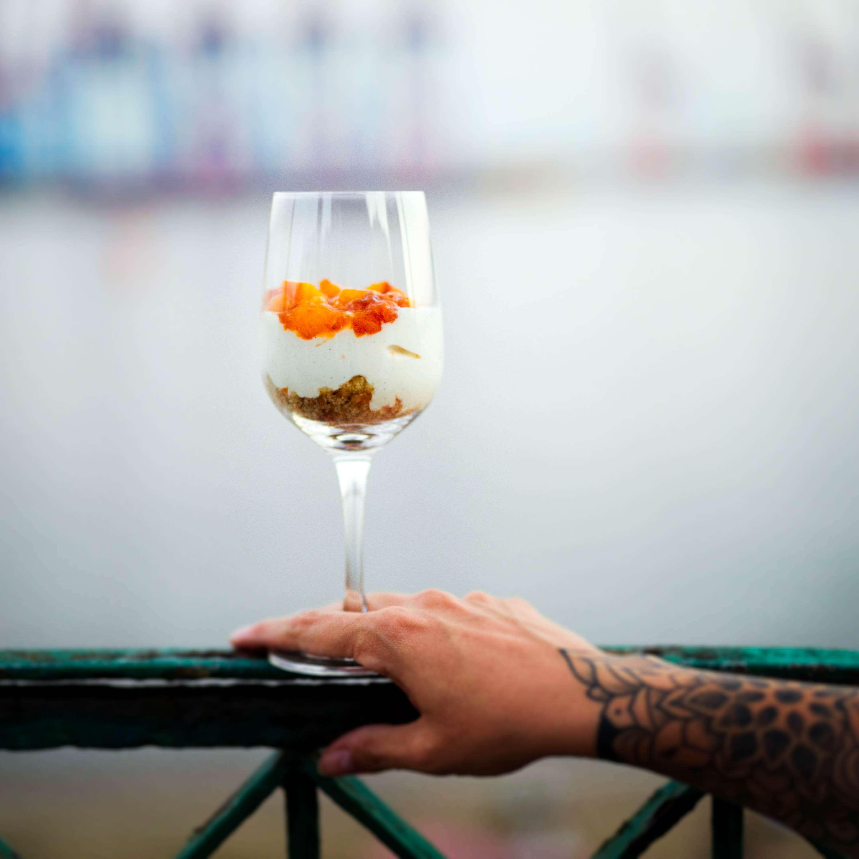 Falscher Pfirsichkuchen im Glas