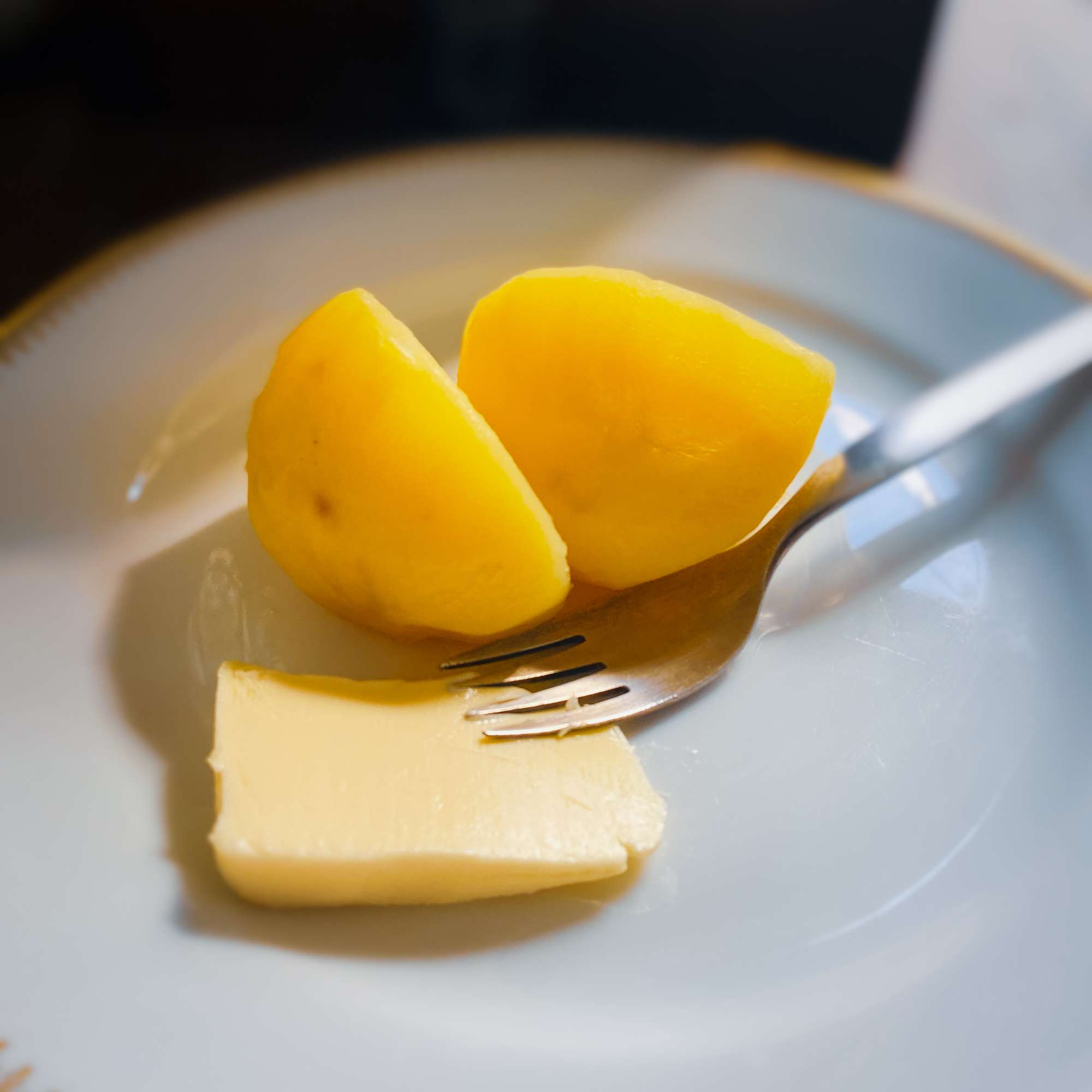 Salzkartoffeln mit guter Butter