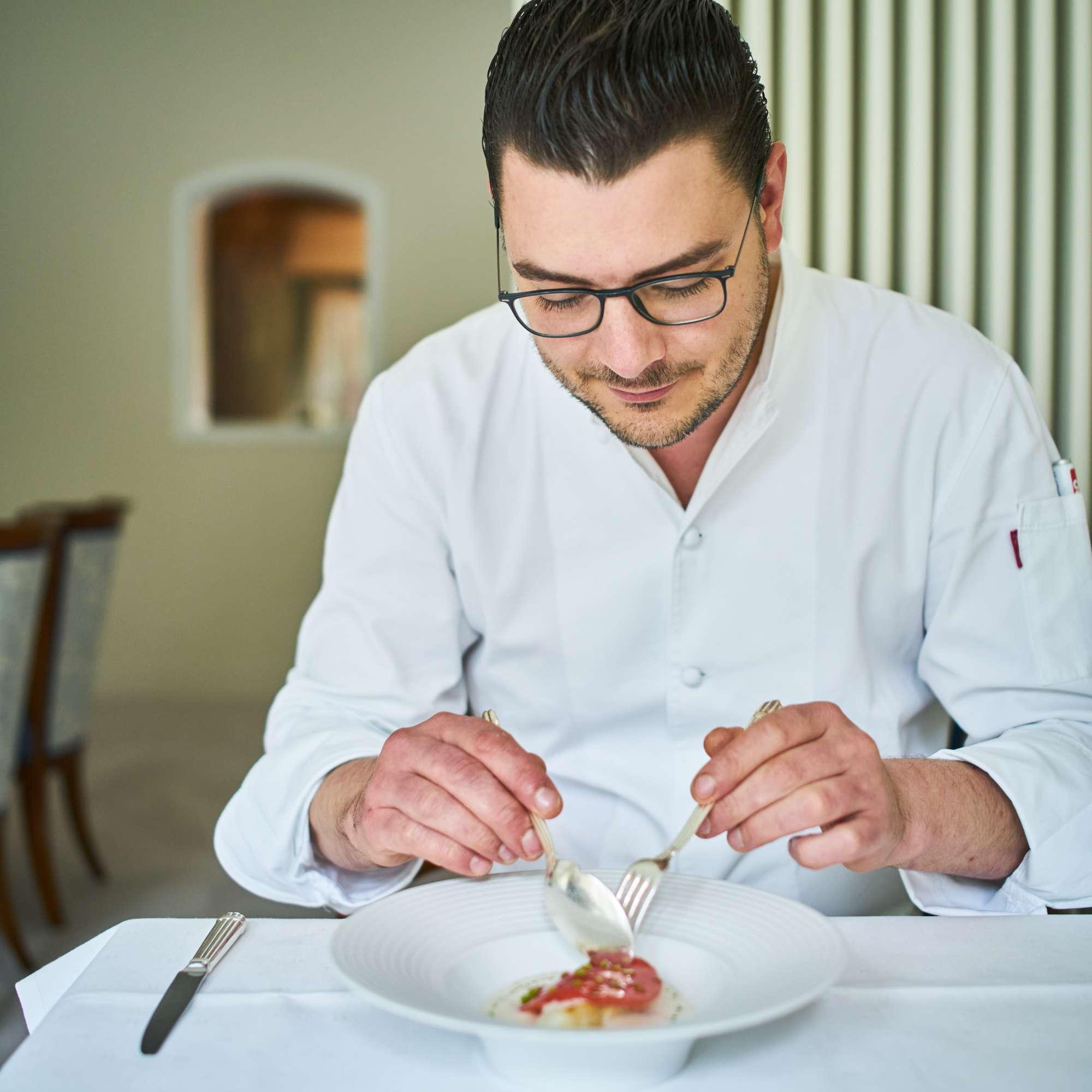 Ein Teller von Clemens Rambichler: Sanft gegrillter Steinbutt mit Wassermelone