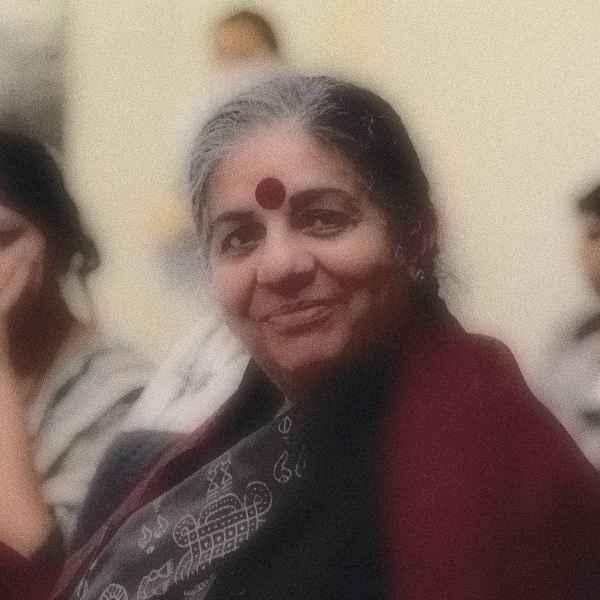 Die Anti-Gentechnik Aktivistin Vandana Shiva
