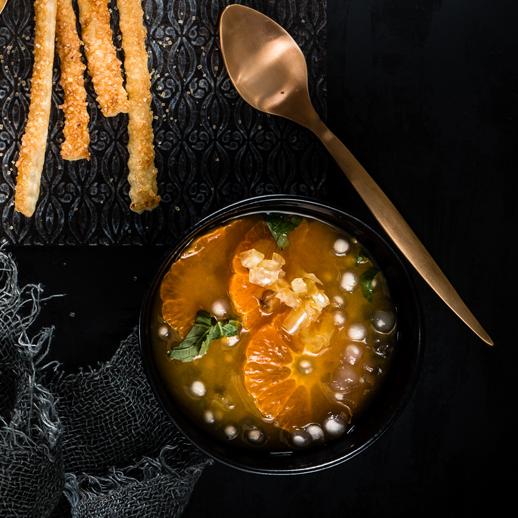 Kalte Satsuma-Fenchel-Tapioka-Suppe mit Sichuan-Sticks