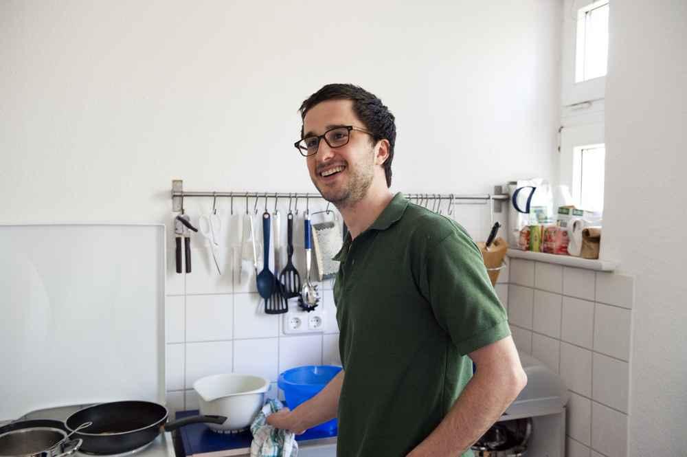 Jochen Bader, 28, Schwaben, backt Zwiebelkuchen