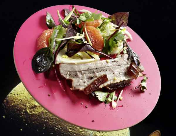 Geröstetes Asia-Pork mit Pomelo-Fenchelsalat