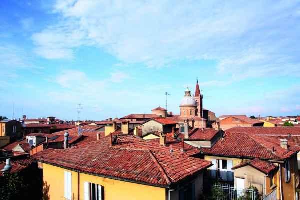 Über den Dächern von Bologna