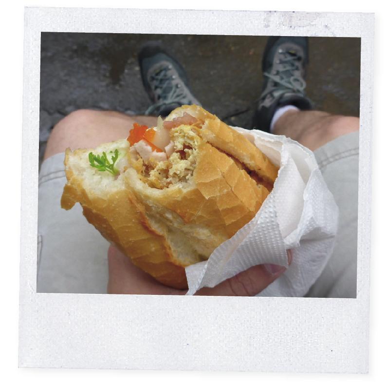 Unser Korrespondent fliegt nach Vietnam und tut dort das Gleiche wie zu Hause: Er holt Essen vom Imbiss