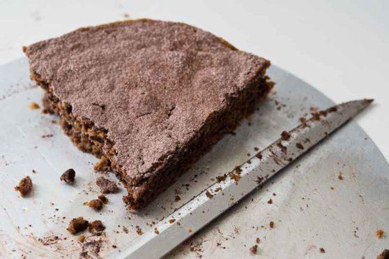 Schokoladen-Walnuß-Torte