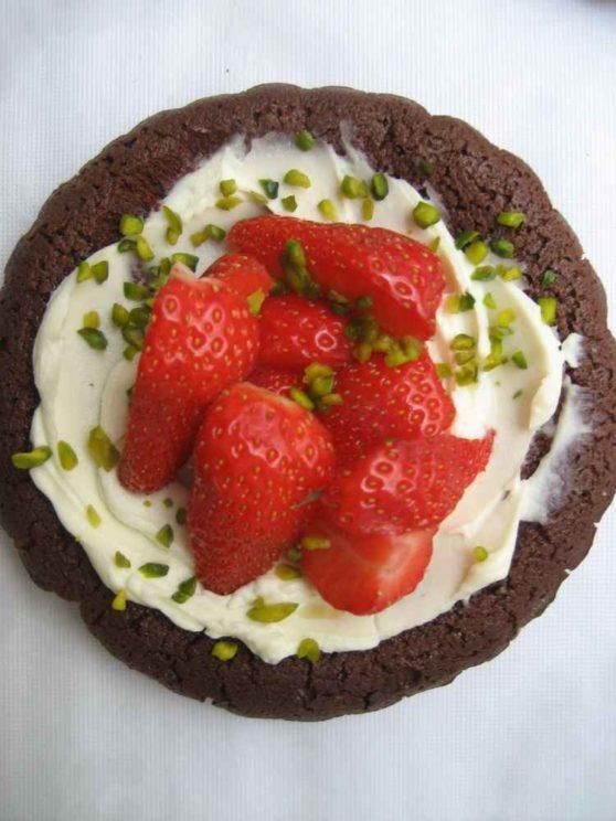Schoko-Tartelettes mit Erdbeeren