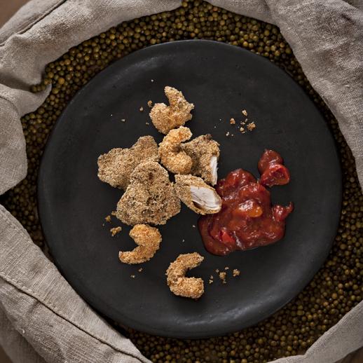 Chicken & Shrimp Nuggets mit Grünpfeffer-Mais-Knusper und Mango-Ketchup