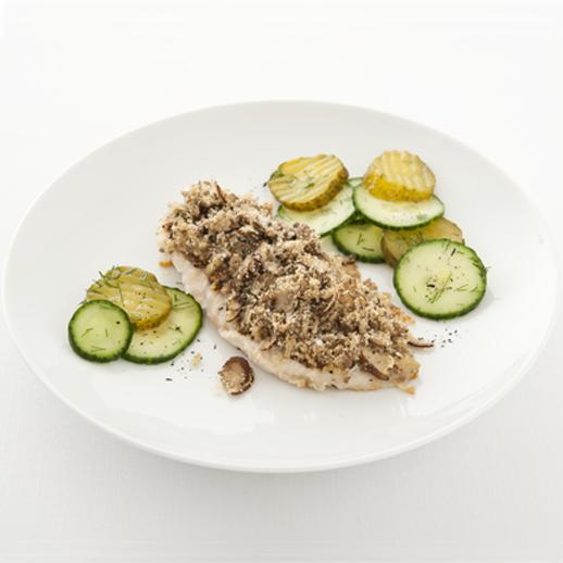 Schlemmerfilet  ›à la Bordelaise‹ mit  Zwei-Gurkensalat