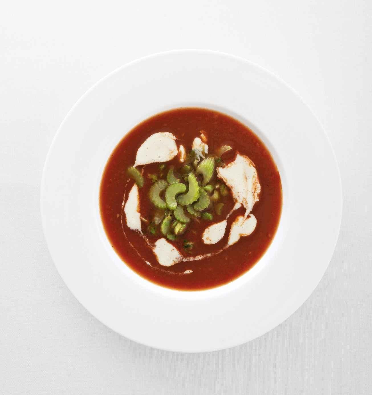 Schnelle Tomatensuppe mit Gorgonzola-Sahne