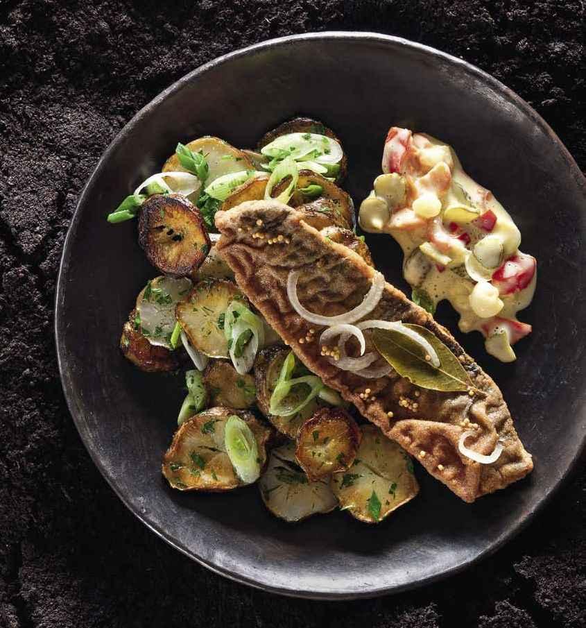 Topinambur-Bratkartoffeln mit Brathering und Mixed-Pickles-Remoulade
