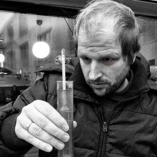 Jens Hinrichs beim Bier brauen
